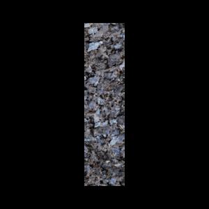 Stavflis i lysegrå norsk naturstein med lyseblå feltspatkrystaller