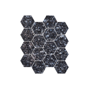 Blågrå natursteinsfliser med blå og sølv feltspatkrystaller. Ligger i mini-heksaonmønster på nett.